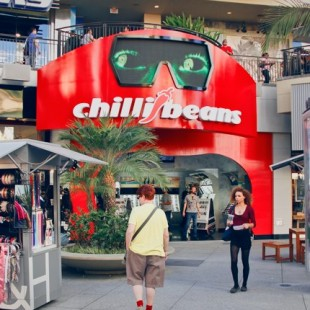 HOLLYWOOD AND HIGHLAND CHILLI BEANS. L.A. ACABA DE GANHAR UMA FLAGSHIP STORE